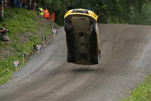 フリー画像| 自動車| ラリーカー| WRC/世界ラリー選手権| 跳ぶ/ジャンプ|       フリー素材|