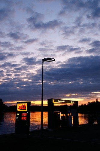 "Heinola: Gas Station at sunset • <a style=""font-size:0.8em;"" href=""http://www.flickr.com/photos/26679841@N00/3795144773/"" target=""_blank"">View on Flickr</a>"