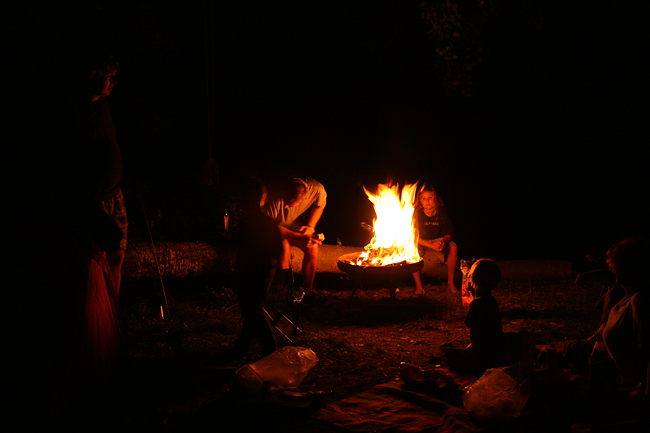 20090828 camping lagerfeuer04