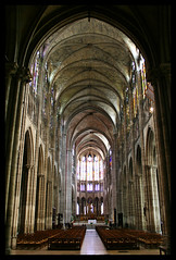 Basilique cathdrale de Saint-Denis (felber) Tags: france church cathedral basilica cathdrale septembre 2009 pris basilique saintdenis felber basiliquedesaintdenis 5for2 superaplus aplusphoto anticando gnneniyisithebestofday favemoifrance basiliquecathdraledesaintdenis