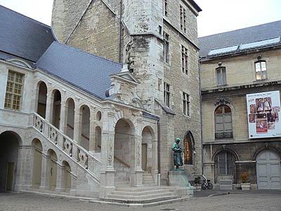 palais des ducs.jpg