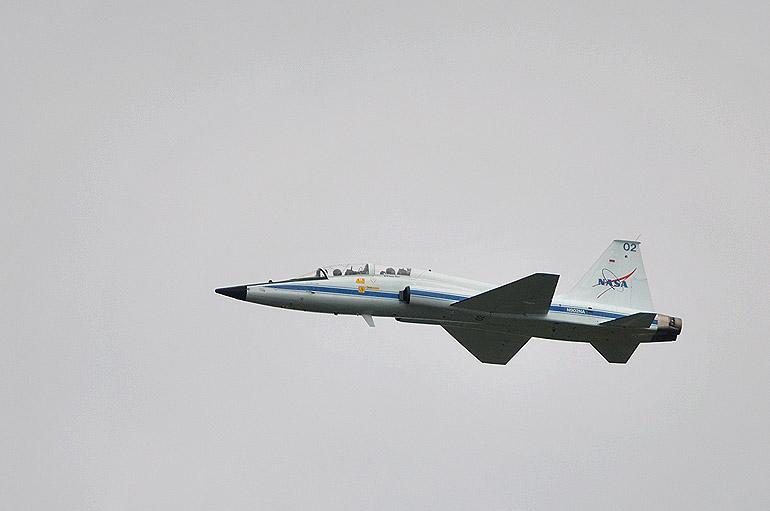 nasa_jet_0128