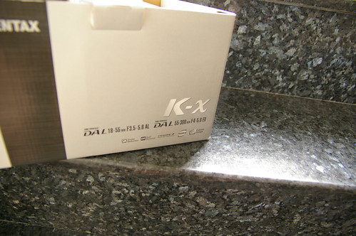 Pentax k-x 白 雙kit 在樓梯口的開箱