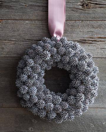 mld104657_1109_wreath2_xl