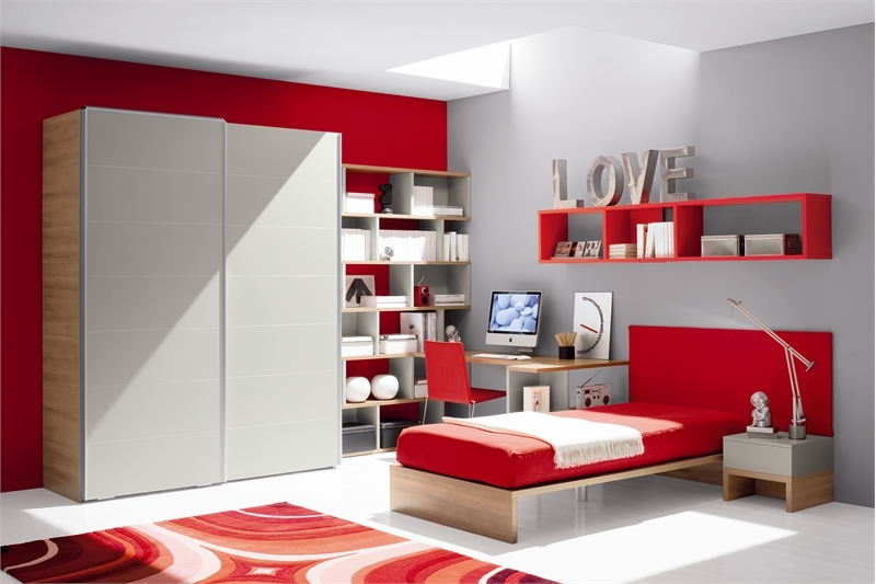 Red and White Teen Room Design by Julia