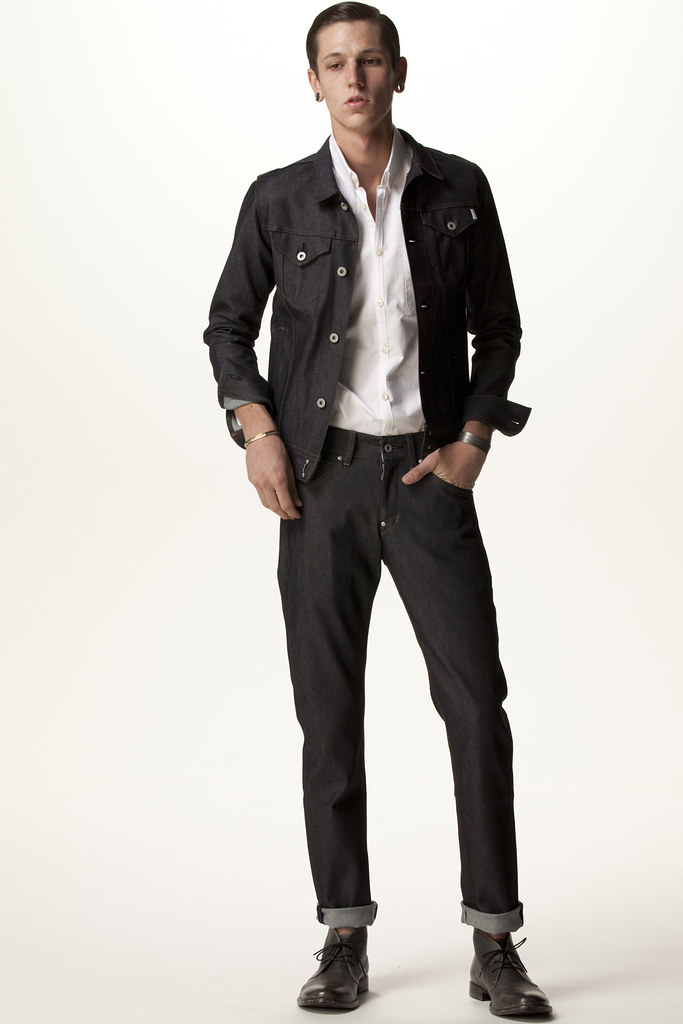 FACTOTUM HOMME 2011 SS 006_Tommy Cox