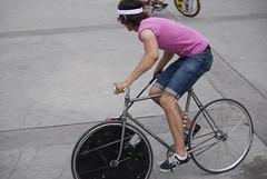 ThrowInBikePoloTournament (rohand) Tags: paris bike nikon tournament fixie fixedgear polo bikepolo vlo palaisdetokyo d80 tournois rohand throwinbikepolotournament