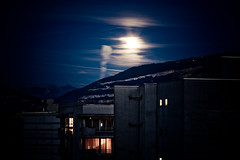 Moon-Sky (Gabriel Asper) Tags: street gabriel de landscape switzerland la photo suisse geneva geneve photos g picture paysage rue pict genève dans ambiance genf asper suiss gasper gabiche gabicheminimal