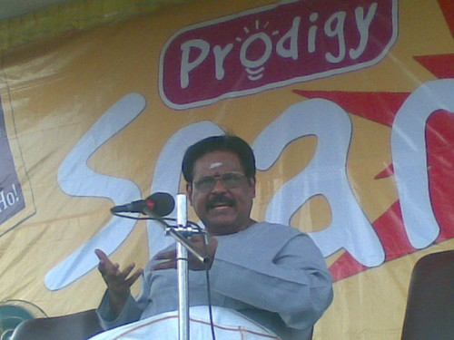 Suki Sivam addressing school children