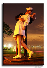 "San Diego 09, ""Unconditional Surrender"" (M. Shaw) Tags: california sculpture beach monument night canon kiss raw ship sandiego nurse sailor aircraftcarrier longexposer flickerhappy 2470mmf28l mshaw 5dmark2 aphotographersnature"