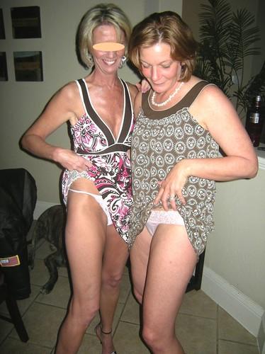 downblouse it members photos pics: braless