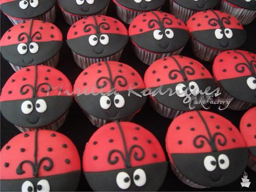 Cupcakes Joaninha / Ladybug cupcakes