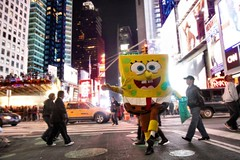 SpongeBob SquarePants (Ronaldo F Cabuhat) Tags: nyc newyorkcity newyork smile nightshot candid streetphotography mascot timessquare streetperformer spongebobsquarepants canonefs1755mmf28isusm lowlightshot canoneos50d cabuhat