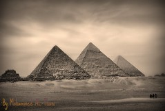 Egyptian pyramids (Q@TaR_in_MyEye) Tags: by photo with mohammed althani egypit byramids flickraward imwatchingyourartworkalthoughimabsent