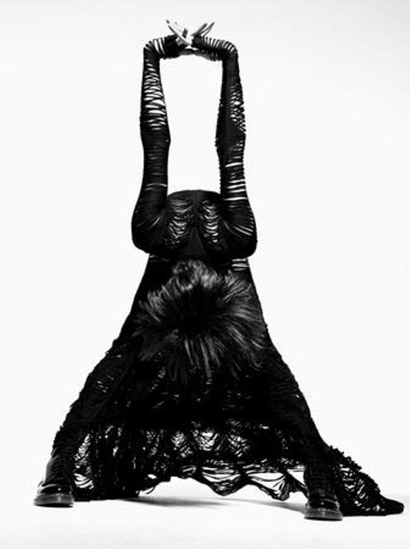 Gareth Pugh SS2010 Slasher dress 1