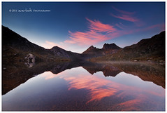 R'hllor lives (Dylan Toh) Tags: park light red mist mountain reflection ice fire dawn god song australia national tasmania dee comet cradle cradlemountain rhllor