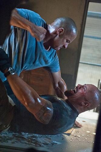 Dom Toretto (VIN DIESEL) vs Luke Hobbs (DWAYNE JOHNSON)