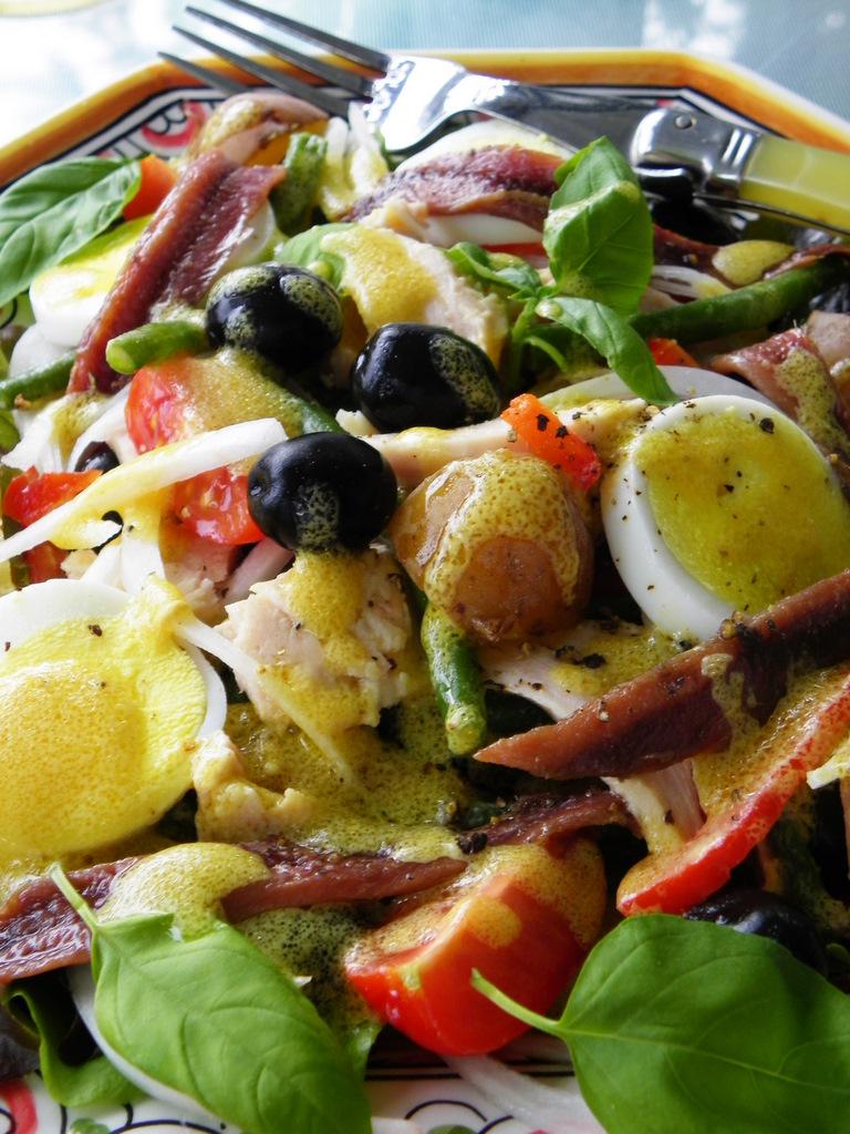Salade Niçoise For A Rainy Day