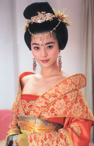 Beauty in ancient Chinese garment