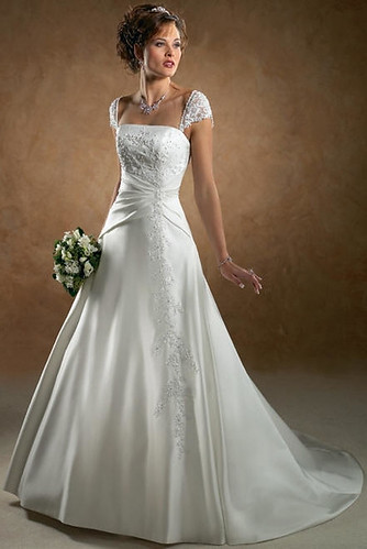A very beautiful dress for the wedding dress search.