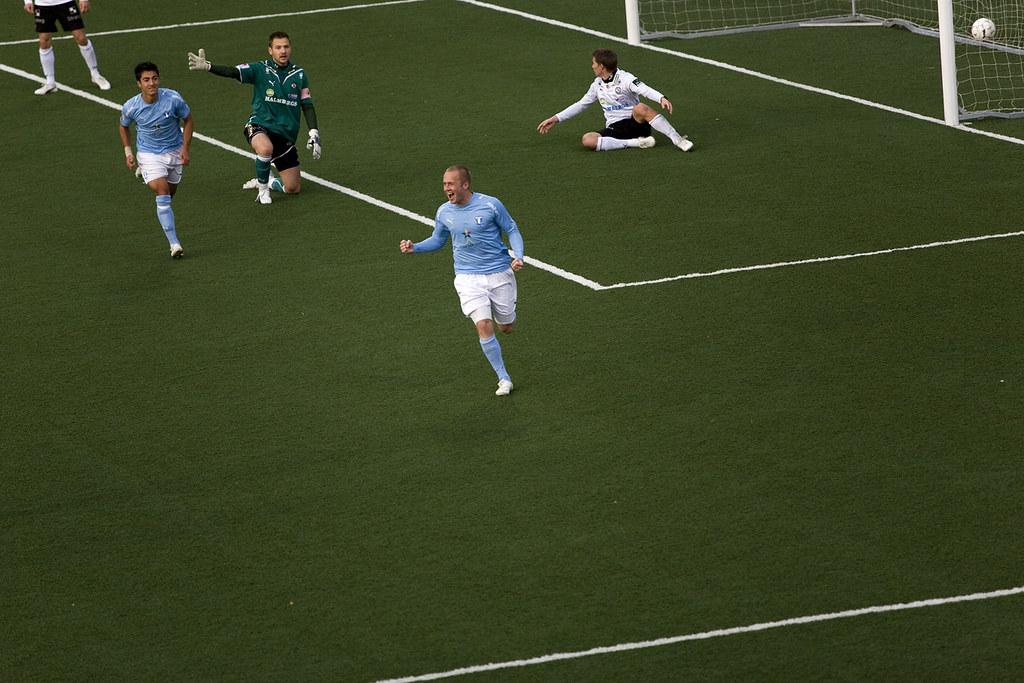 Daniel Larsson 0-2
