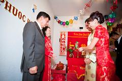 Phil & Loan Tea CM-190 (iPix Studio) Tags: wedding red cute girl vietnamese tea chinese ceremony vietnam dai ao