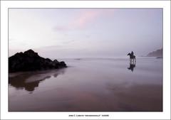 El sheriff de la playa (Ariasgonzalo) Tags: paisajes beach atardecer caballos landscapes seascapes asturias thesea reflexions elmar soe playas reflejos jinetes xag bej ysplix overtheexcellence theperfectphotographer alemdagqualityonlyclub photoshopcreativo playadexag