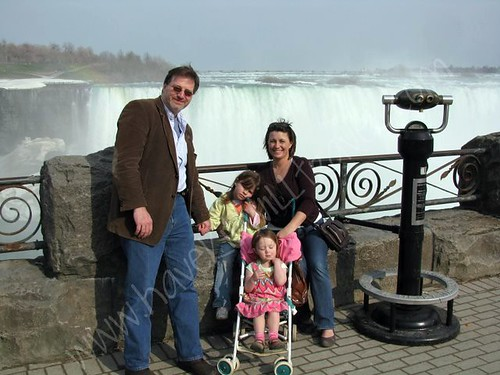 Photo Opp in front of Niagara Falls