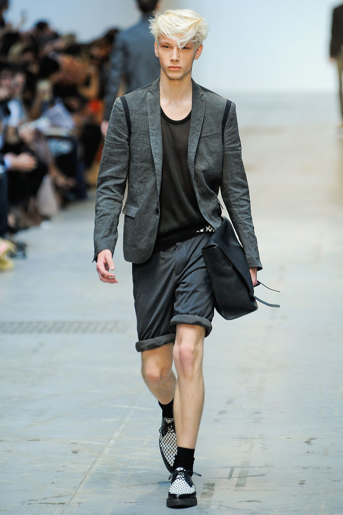SS12 Milan Costume National Homme015(VOGUEcom)