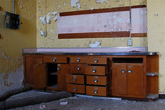Empty Desk (jgurbisz) Tags: building abandoned nj urbanexploration isolation tall asylum psychiatric linencloset isolationhospital wwwvacantnewjerseycom