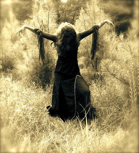 Wicca coven casting spells at wwwrealspellcastingcom - 4 7