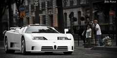 Bugatti EB110 (Valkarth) Tags: white paris france cars car sport canon french eos julien europe champs sigma spot voiture 5d blanche incredible bugatti blanc f28 supercar mkii markii 70200mm photographe valk elyse eb110 hypercar 5d2 valkarth fautrat