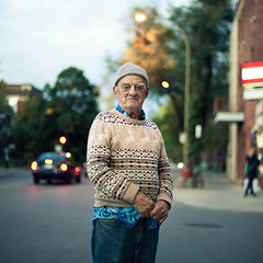 A stranger: montral, Andr 72 years old (Benoit.P) Tags: street blue portrait canada man eye art hat montral benoit quebec montreal stranger concordia tuque homme paille troisrivires benoitp