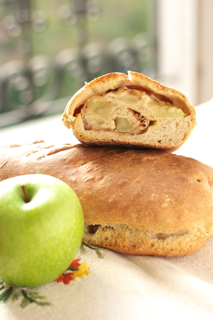 Apple and speck bread (WBD)