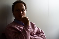 Nicolas (Gwenal Piaser) Tags: portrait 35mm canon eos nicolas luxembourg canoneos luxemburg luxemburgo lussemburgo copain 35mmf14 50d 35l ltzebuerg canonef35mmf14lusm eos50d canoneos50d ef35mmf14lusm unlimitedphotos gwenflickr