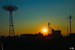 Coney Island (MalNino) Tags: sunset ny newyork coneyisland 2009 1224mmf4 nikond80