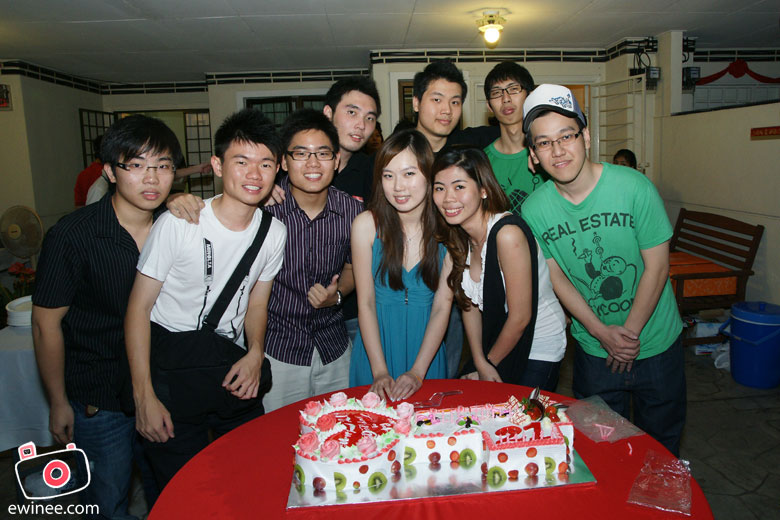 Yang-Nee's-Birthday-group-pic
