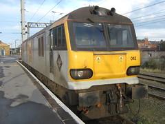 92042 Warrington 13/12/09 (dc_western) Tags: warrington trains railways ews class92