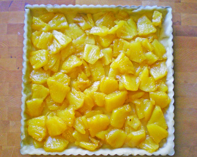 Pineapple-filled tart