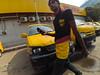 Dhaka Street #95 (سلطان محمود) Tags: dhaka street dhakastreet999 light man bow mobile yi action xiaomi camera yes cars dhl bangladesh niketon gulshan road side 999 017 2017 looking highburnet