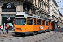 Elettromotrice 4977 in Piazza Cordusio (Andrea Zaratin) Tags: milano 14 tram via piazza 4900 atm 4977 tpl cordusio lorenteggio broletto