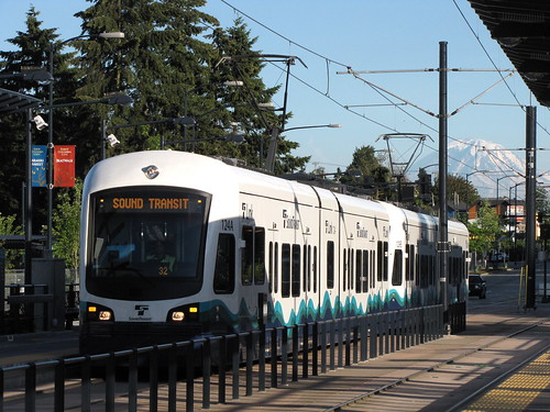 A northbound train pulling in to the Columbia City light rail station