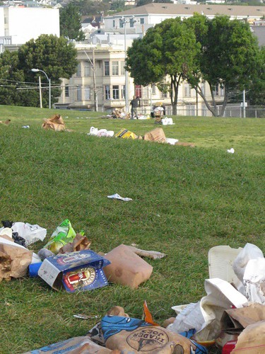 Trashy photo from MissionDoloresPark.com