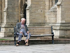 Resting, Boston (dave_in_lincolnshire) Tags: bench seat elderlygentleman