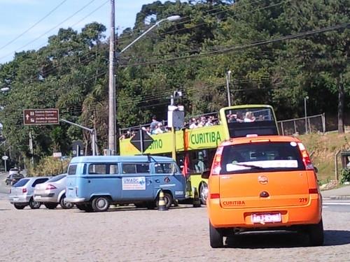 [Curitiba] Trânsito na frente da Ópera de Arame