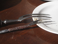 Special 2-pronged forks for flipping over