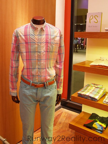 paul smith modu mobie phone trunk show model clothes fashion