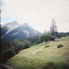 (mrtin) Tags: mountains 120 6x6 switzerland holga suisse suiza hof montaas cabaa nofi photooftheday holga120cfn sweiz martnezsiesta