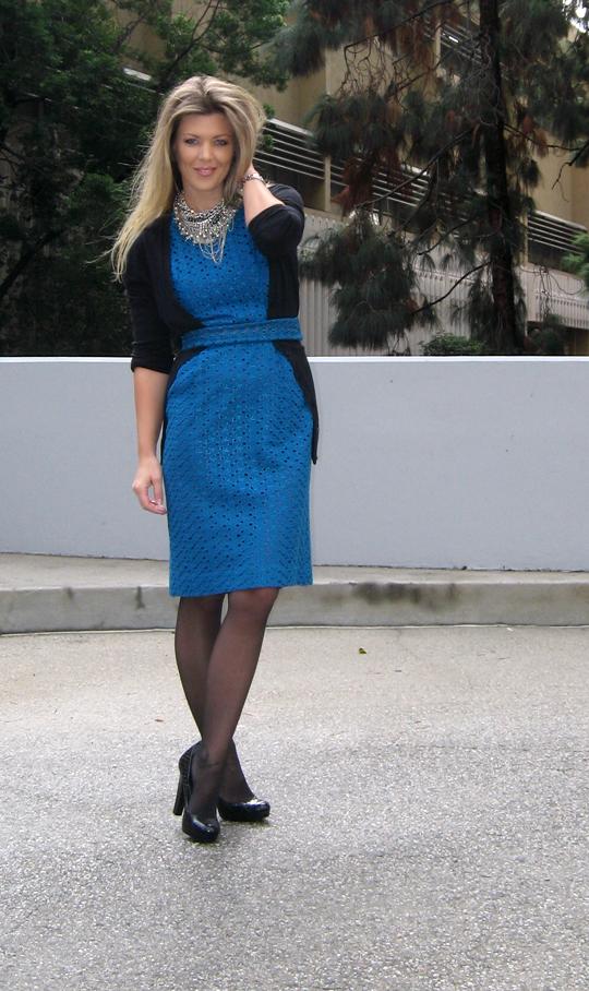 vintage-teal-eyelet-dress-tom-binns-diy-necklace-1