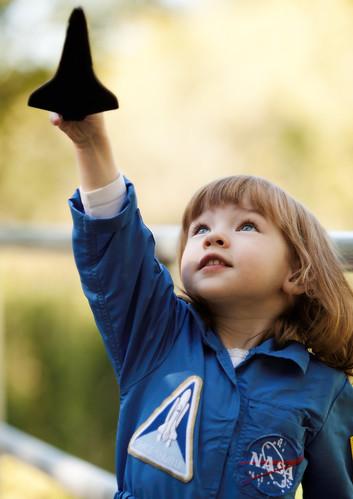 フリー写真素材, 人物, 子供, 少女・女の子, スペースシャトル,